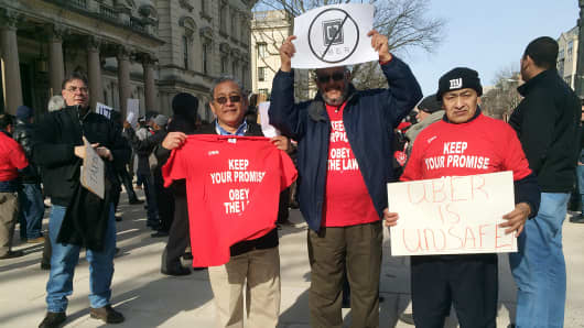 Cabbie drivers and supporters held their own rally against Uber drivers in New Jersey.