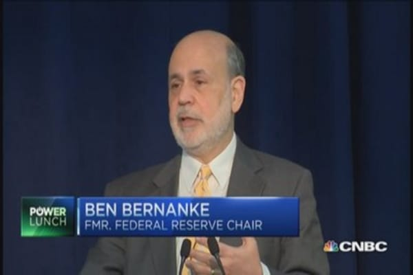 Bernanke breaks silence and blogs