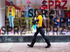 Consumer sentiment spending Uni Qlo