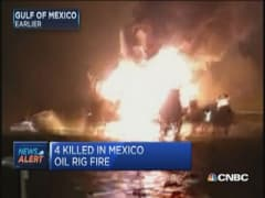 Massive fire on Mexican oil rig