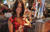 'Breastaurants' are outperforming your regular restaurant