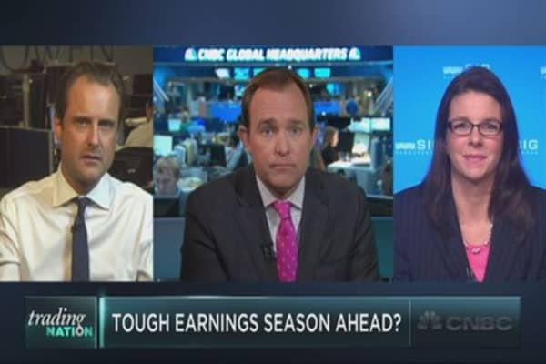 Trading a tough earnings season