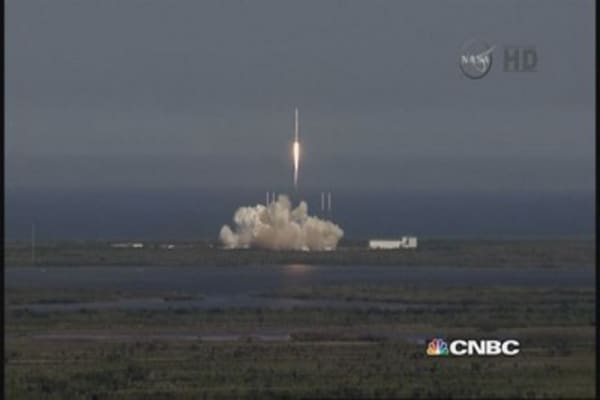 SpaceX launches rocket, but booster fails landing