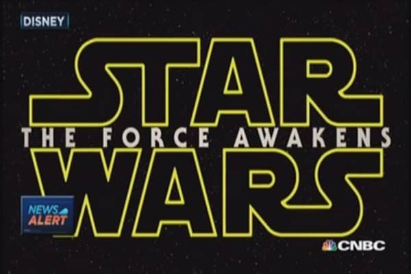 Disney unveils extended Star Wars trailer