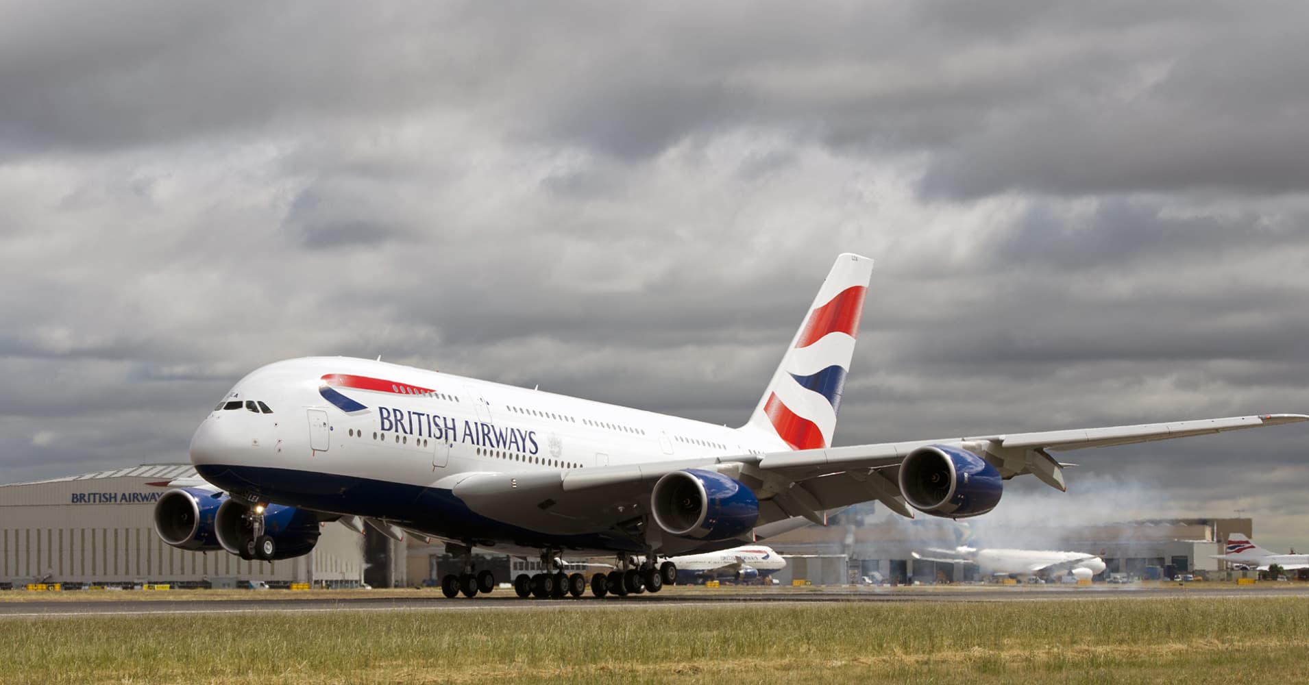 Britain's Heathrow says BA still experiencing some disruptions, airline says full long-haul schedule to operate