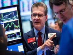 Wall Street seeks to extend rebound