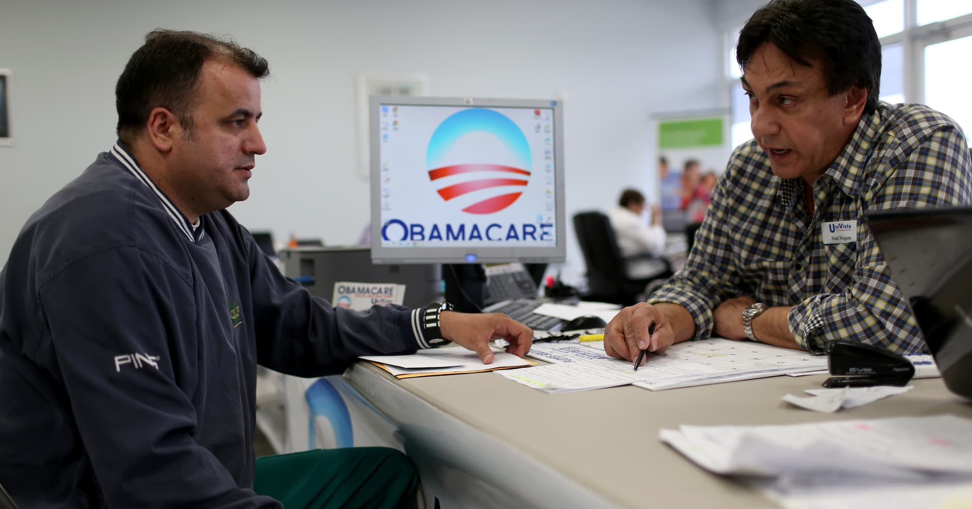 Record number of Obamacare sign-ups on HealthCare.gov for 2017 health insurance coverage