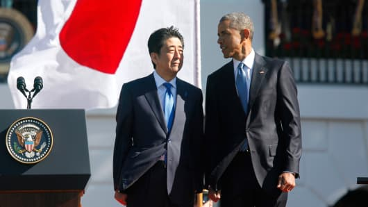 President Barack Obama and Japanese Prime Minister Shinzo Abe on the White House South Lawn in Washington, April 28, 2015.