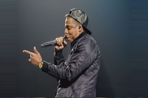 Jay Z promotes Tidal with free concert