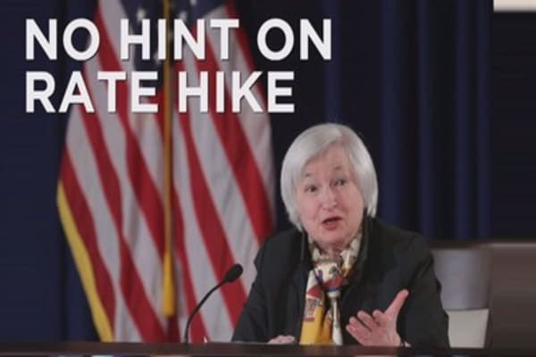 Fed keeps interest rate hike on hold