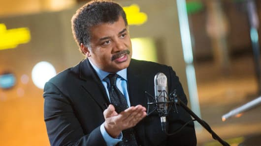 "Neil deGrasse Tyson on the set of his new talk show series ""StarTalk"" filmed with a live studio audience in the Hayden Planetarium at the American Museum of Natural History. ""Star Talk"" premieres on National Geographic Channel in April."
