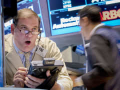 Traders on floor