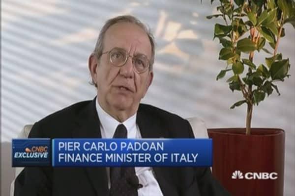 Italian Fin Min: Greek talks will see results soon