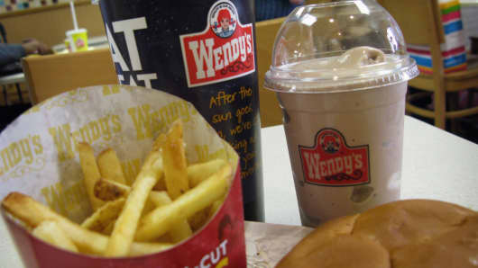 Wendy's shares hit 10-year high as earnings buck industry slump