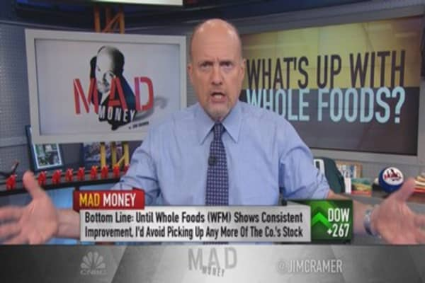 Cramer loves Whole Foods store, but does he love the stock?
