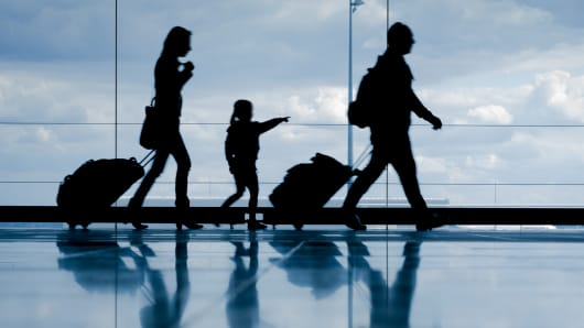 Family holiday vacation airport passengers