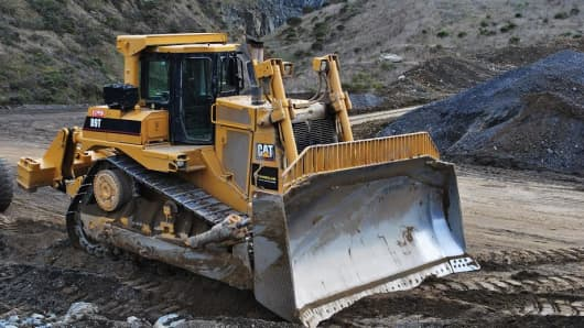 Owners of heavy equipment can rent to other contractors through Yard Club.