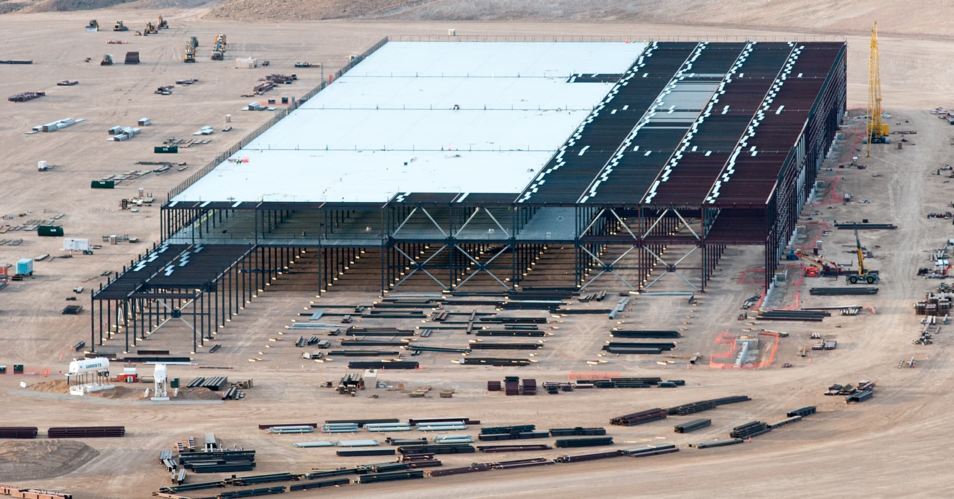 Tesla will power its Gigafactory with a 70-megawatt solar farm