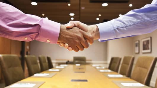 Handshake M&A mergers promotion