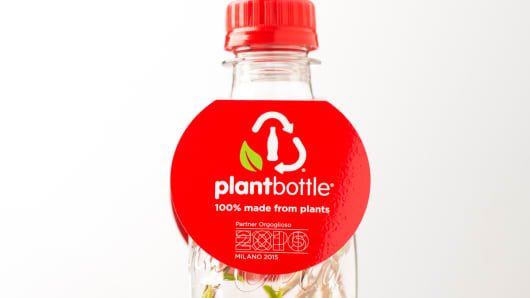 Coca-Cola's new plastic bottle made from plants (Photo: Business Wire)