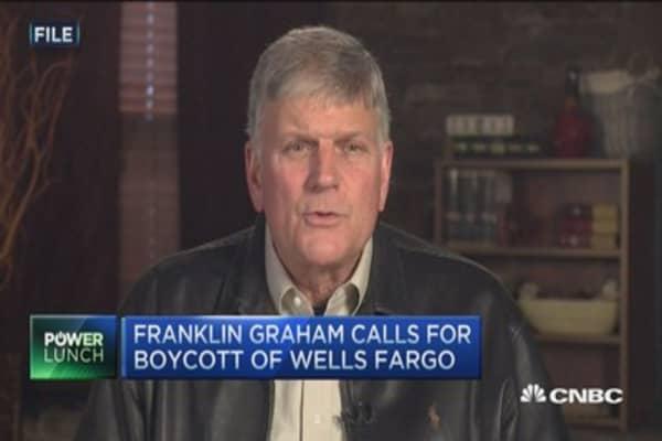 Franklin Graham calls for boycott of Wells Fargo