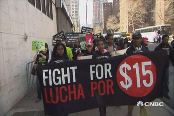 LA approves minimum wage increase