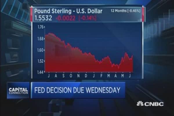 Euro stumbles as Greek debt talks falter