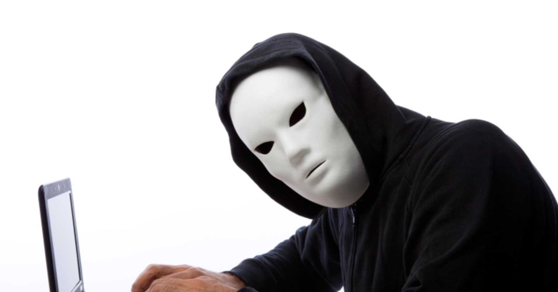 Online dating deception in Melbourne