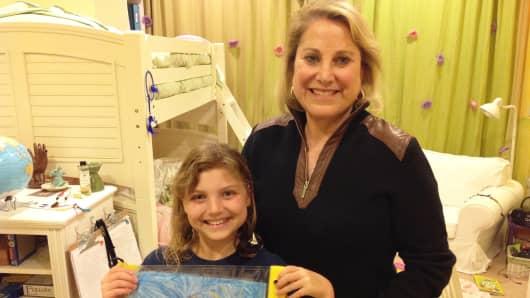 Kenandy founder Sandy Kurtzig with her granddaughter, Jamie.