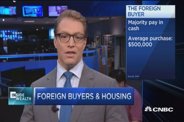 Foreign buyers snap up $104 billion in US homes