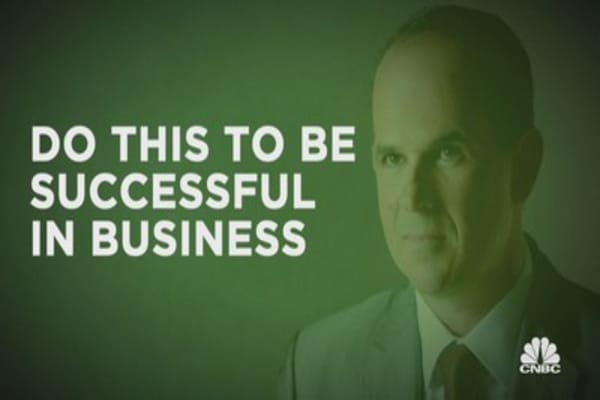 Marcus Lemonis gets his hands 'dirty'