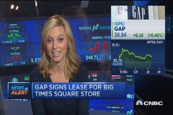 Gap signs Times Square lease