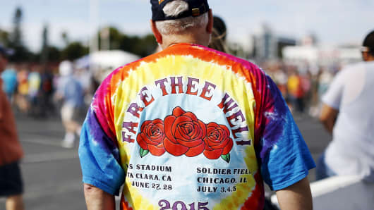 """A Grateful Dead fan stands outside Levi's Stadium before Grateful Dead's """"Fare Thee Well: Celebrating 50 Years of Grateful Dead"""" farewell tour at Levi's Stadium in Santa Clara, Calif., June 27, 2015."""