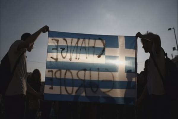 Greeks divided over debt crisis