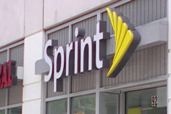 Sprint hikes price for 'simplified' plan