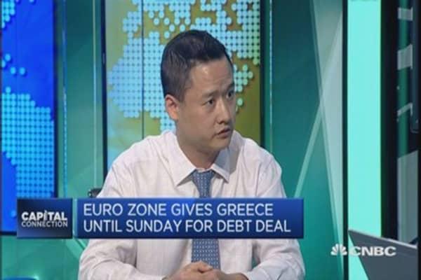 Expect more downside risks for the euro: Nomura