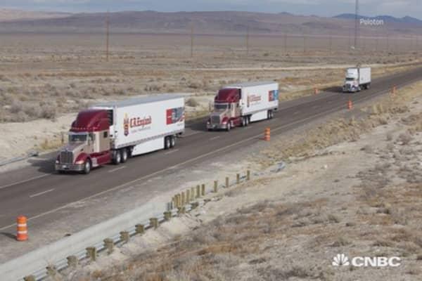 Link trucks, save fuel