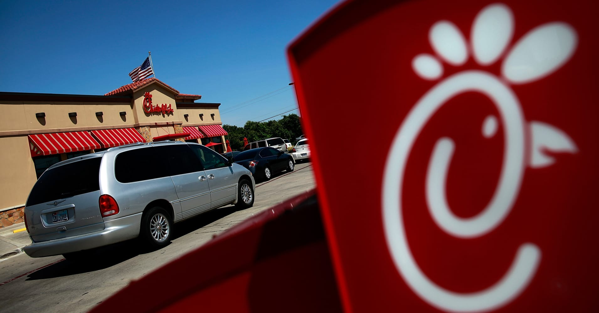Chick-fil-A tests meal kits as first U.S. fast food chain to take on Blue Apron