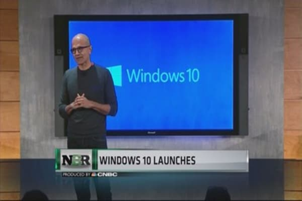 Windows 10 launches