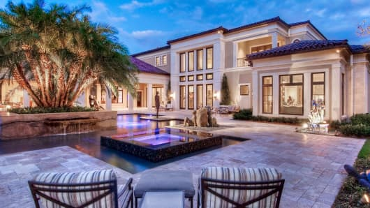 Image gallery expensive homes for The biggest house in america for sale