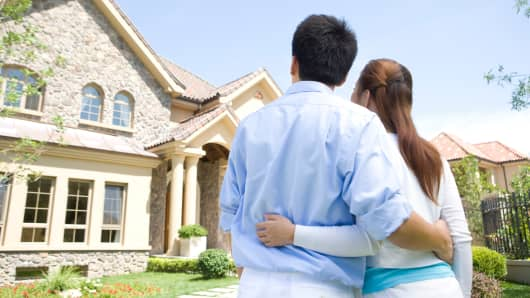 Young Couples, Should You Buy or Rent in 2016?
