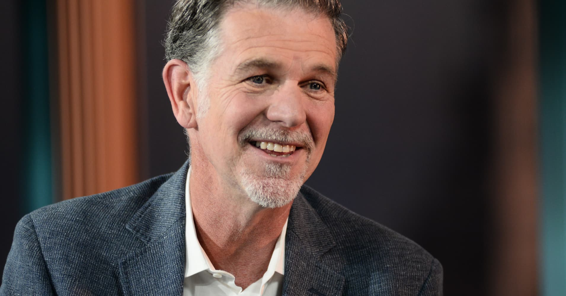 Netflix breaks into China's massive market with new deal