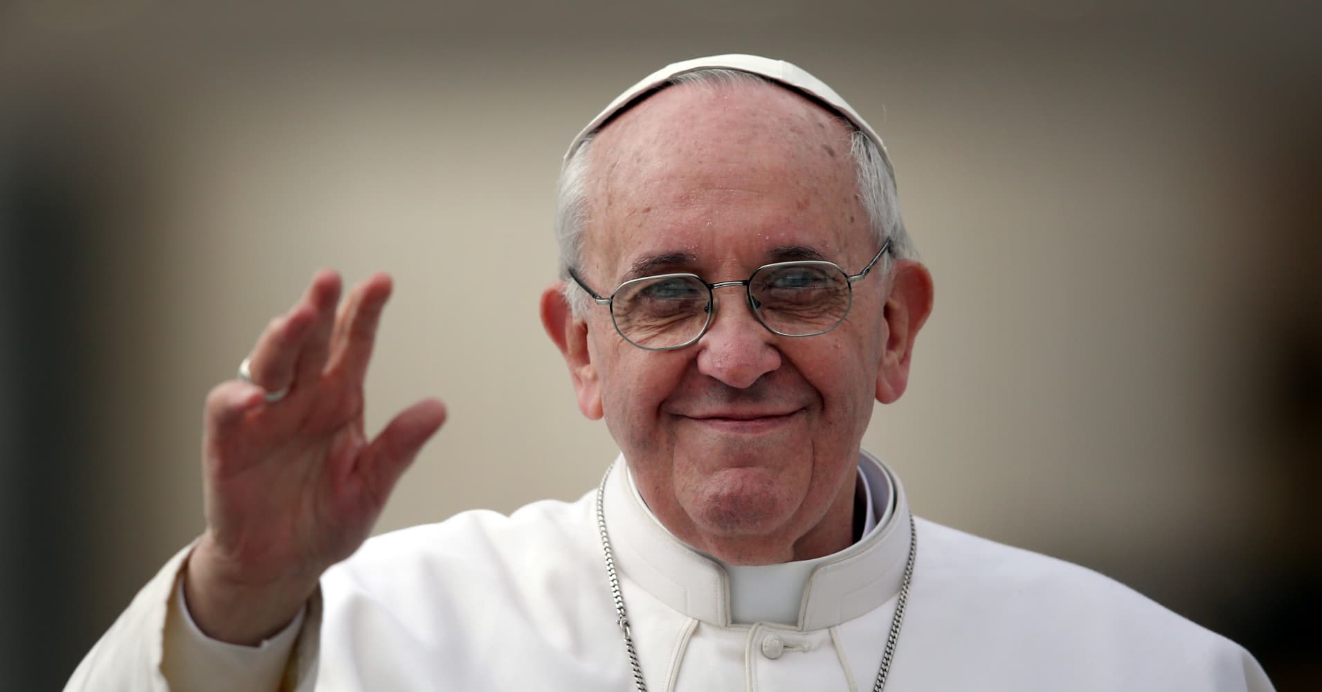 Copy this: Vatican stakes out rights to Pope Francis' image