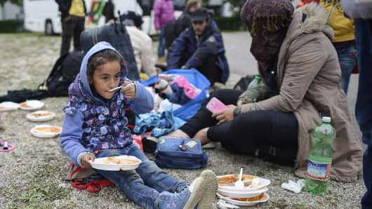 early view of syrian crisis World help is committed to serving refugee families along the syrian border with life-saving supplies they need to survive the a child's view of the syrian crisis.