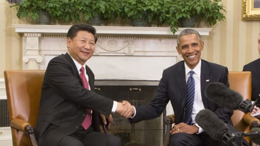 China's President XI Jinping and US President Barack Obama hold a meeting during an official State Visit at the White House September 25, 2015 in Washington, DC.