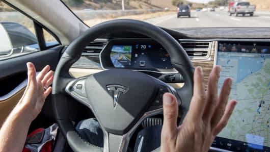 Tesla rolls out autopilot technology for Tesla motors palo alto