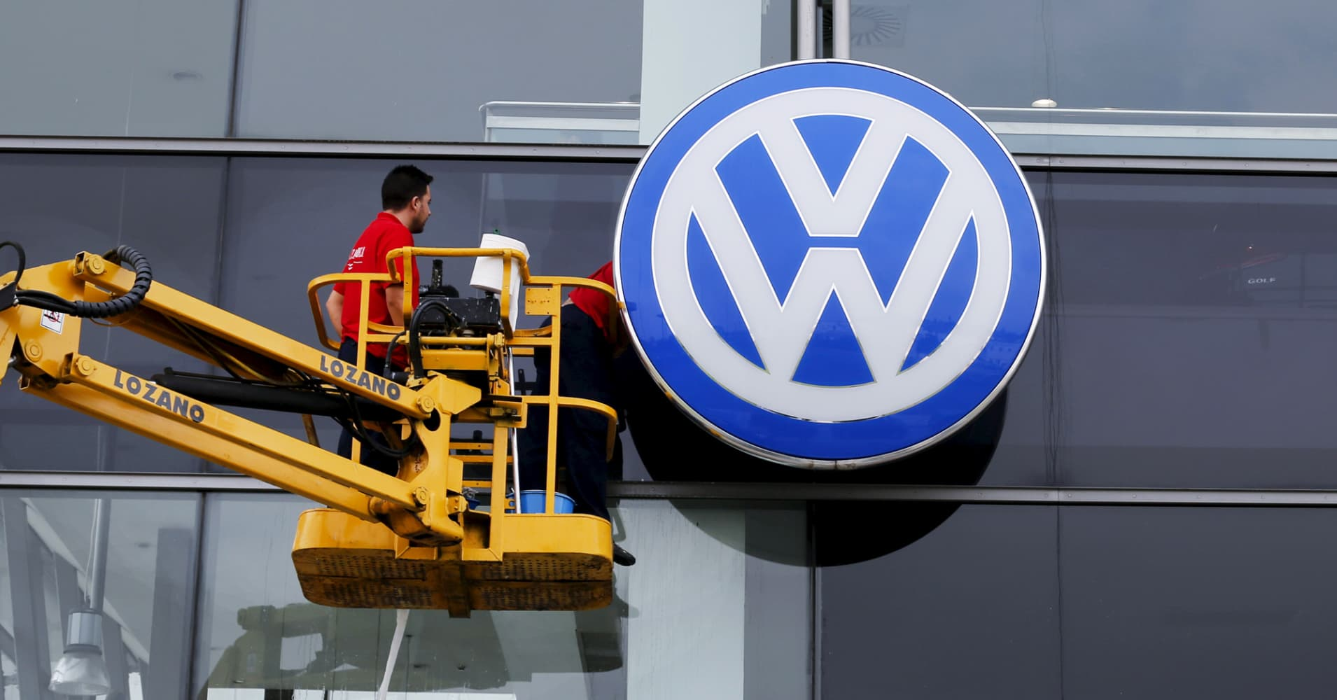 FBI Arrests Volkswagen Executive on Conspiracy Charges in Emissions Scandal