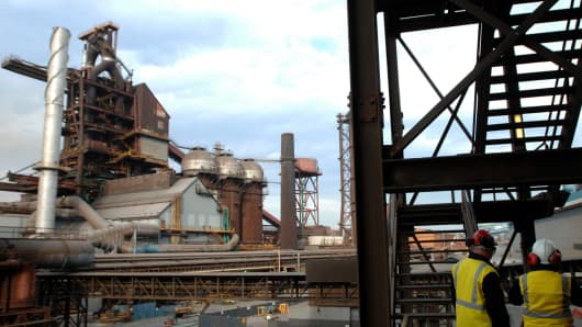 the making and breaking of port kembla essay Steel town: the making and breaking of port kembla more by erik eklund to most australians port kembla is a grimy, polluted, industrial wasteland located down the coast from sydney.