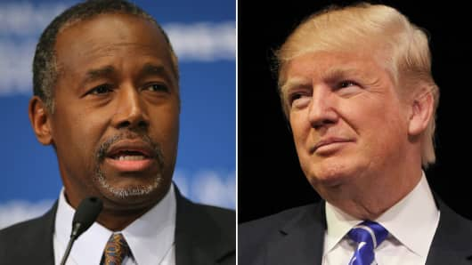 Ben Carson (L) and Donald Trump (R).