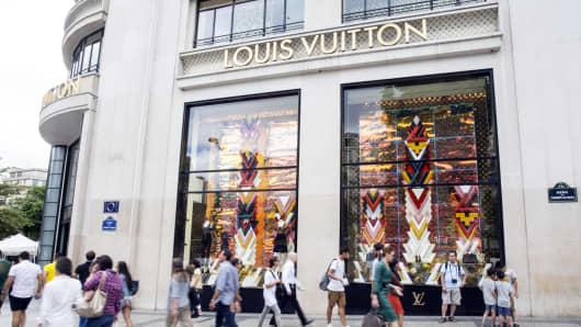 Luxury goods sales seen growing despite uncertainties